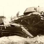 7 января 1943 под Сталинградом в бою за Зимовники механик-водитель Т-34 старший сержант Марков первым совершил таран немецкого «тигра»