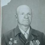 Бочаров Александр Семёнович  Еще до войны он закончил курсы «Выстрел» в городе Архангельске, после чего ему было присвоено воинское звание капитана. 7 ноября 1937 года он принял военную присягу. Его первая встреча с противником произошла в августе 1941 года на Калининском фронте.